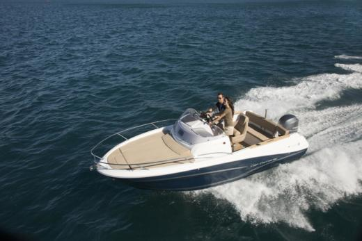 Motorboat Jeanneau Cap Camarat 6.5 Wa for rental