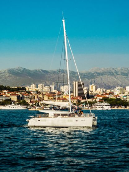 Rental Catamaran Lagoon 400 S2 Split