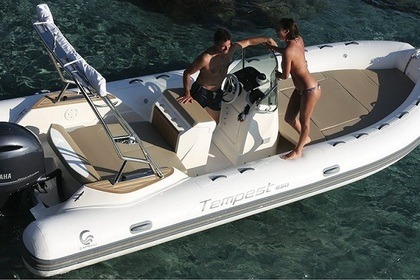 Location Semi-rigide Capelli Tempest 650 Grimaud