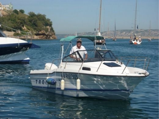 BAYLINER TROPHY in Marseille for hire