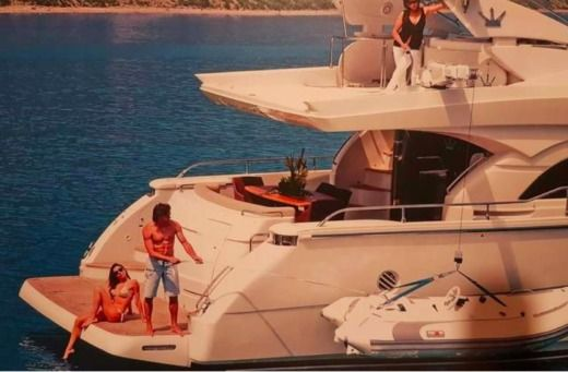 Dominator Srl 68 in Mykonos for hire