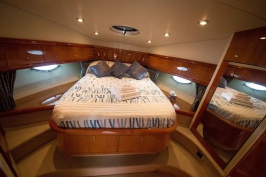 Motorboat SUNSEEKER Manhattan 56 for hire
