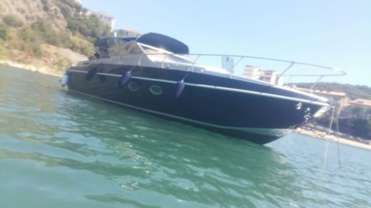 Motorboat ILVER Sport Luxury 36 for hire