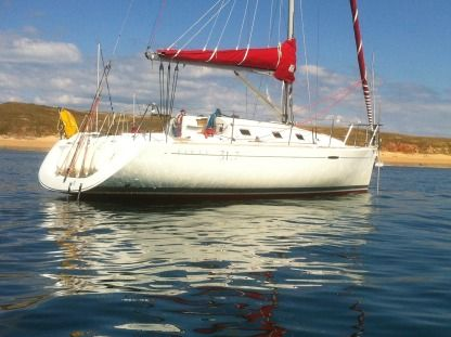 Charter Sailboat Beneteau First 31.7 Quiberon