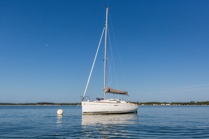 Hire Sailboat BENETEAU First 25 Performance Lège-Cap-Ferret