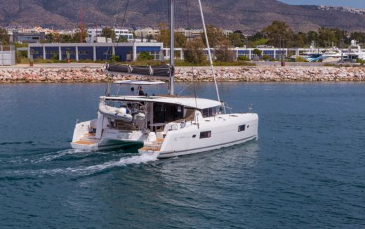 Rental Catamaran Lagoon 42