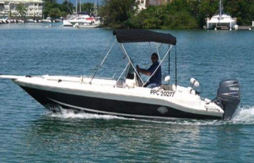 Cuda 21' Open in Pointe-a-Pitre for rental