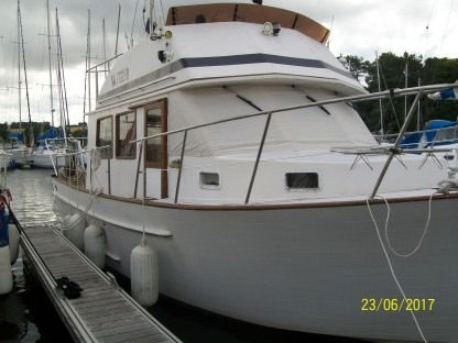 Charter Motorboat Grand Banks Trawler Clipper 31 Le Robert