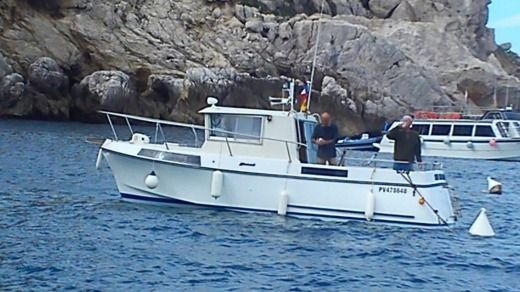 Motorboat KIRIE ANGE DE MER 750 for hire