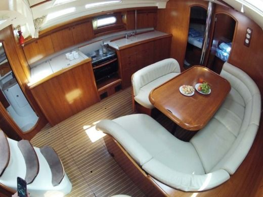 Sailboat JEANNEAU Sun Odyssey 45 peer-to-peer