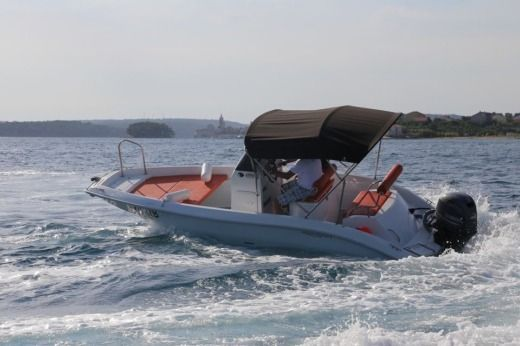 Motorboat Hydrosport Z 18 peer-to-peer