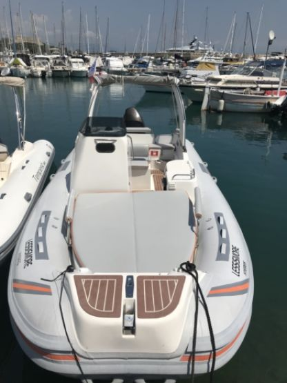 Location Semi-rigide Overboat Lors 23 Limited Edition Antibes