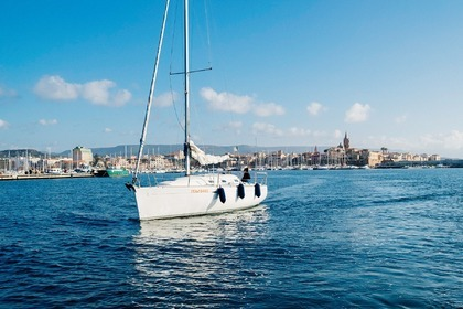 Hire Sailboat Beneteau First 31.7 Alghero