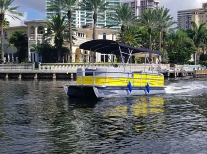 Rental Motorboat Bentley 24Ft Bentley Pontoon Boat Miami