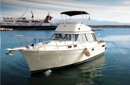 Charter Motorboat Bayliner Motorboat Chania