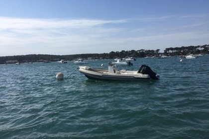 Location Semi-rigide Joker Boat Clubman 22 Lège-Cap-Ferret