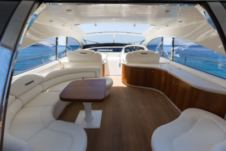 Motorboat Pershing 65 for hire