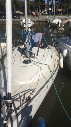 Sailboat Beneteau Sun 2000