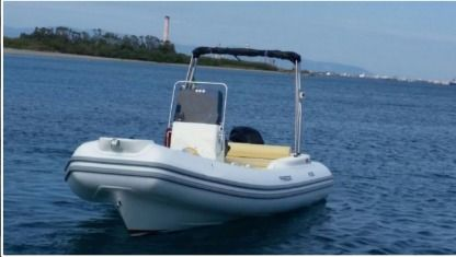 Location Semi-rigide Freedom Rs 58 Lipari