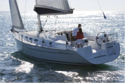 Rental Sailboat Beneteau Cyclades 43.4 Le Marin