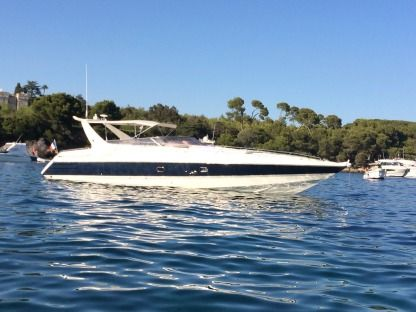 Charter Motorboat Sunseeker Apache 45 Cannes