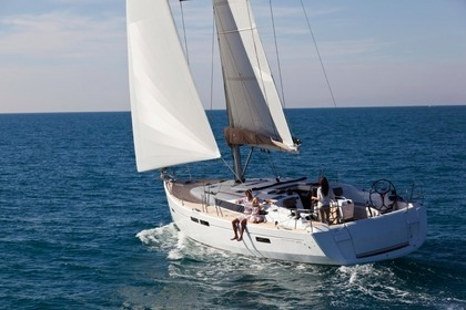 Hire Sailboat JEANNEAU 479 Zaton