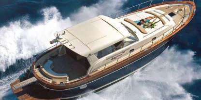 Charter Motorboat Apreamare 54 Bacoli