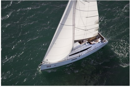 Hire Sailboat JEANNEAU 349 Punta Ala