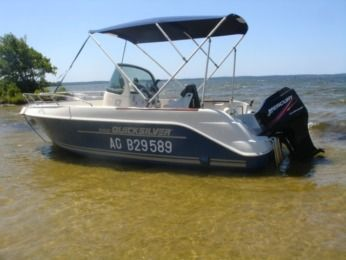 Charter Motorboat Quicksilver Commander 550 Gastes