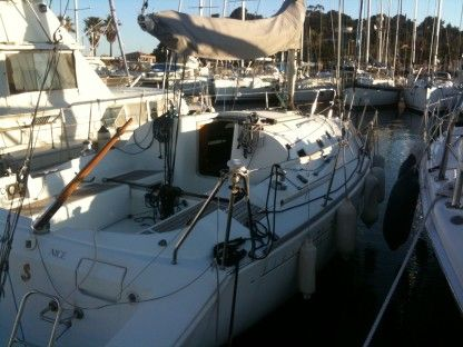 Charter Sailboat Beneteau First 31.7 Cavalaire-sur-Mer