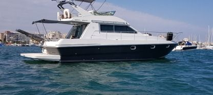Charter Motorboat Mochi Craft Fly 42 Torrevieja