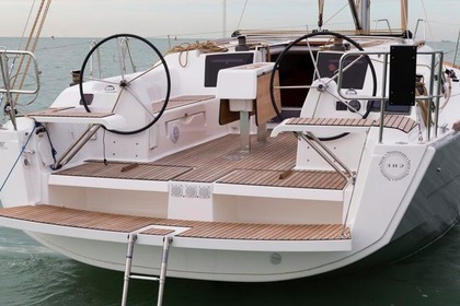 Hire Sailboat DUFOUR 382 GL Zaton