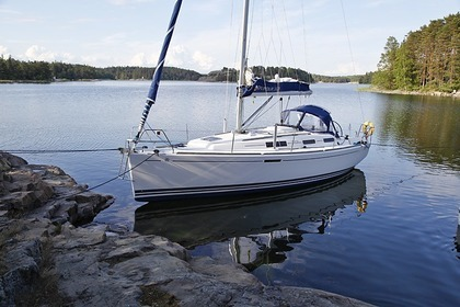Hire Sailboat DUFOUR 325 Dalsbruk