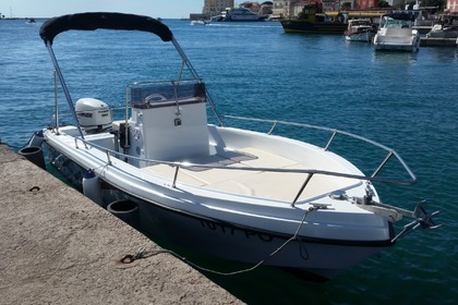 Rental Motorboat Polyform Triakis 17.5 Poreč