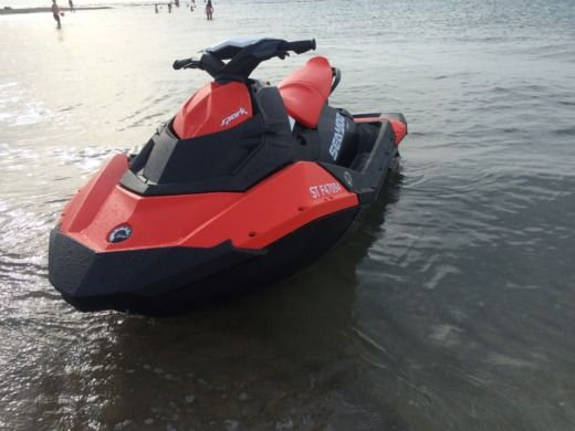 SEA DOO SPARK 90 ACE HO IBR in Port-Camargue for hire