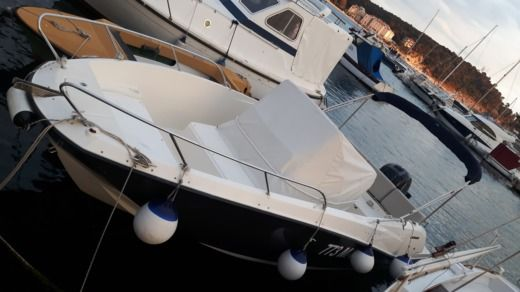 Quicksilver 675 Activ Open in Makarska for hire