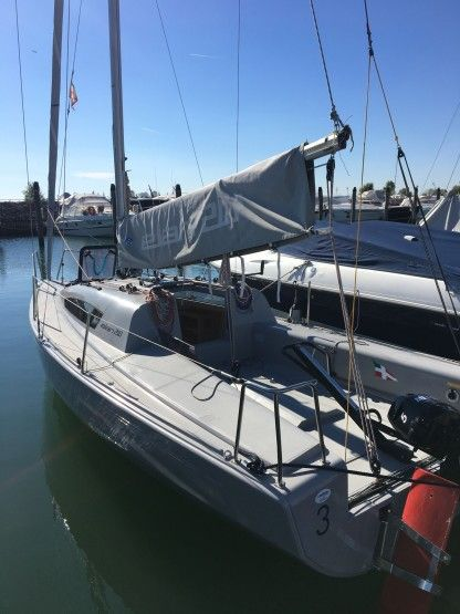 Rental Sailboat Elan Elan 210 Portegrandi