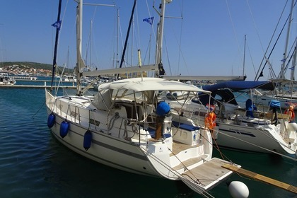 Hire Sailboat Bavaria 36 Cruiser Primošten