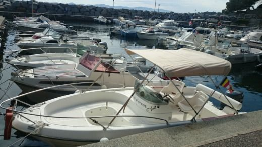 B2 Marine Cap Ferret Open 550 in Saint-Raphaël peer-to-peer