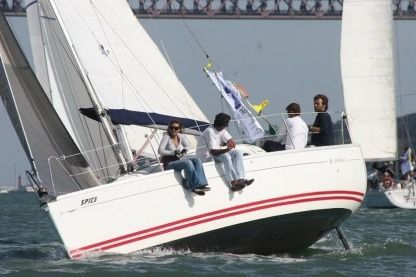 Rental Sailboat Jeanneau Sun Fast 26 Marseille