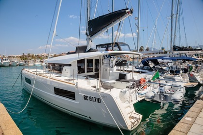 Hire Catamaran LAGOON 40 Furnari
