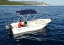 Mazury 30 Hp Free Petrol in Hvar for hire