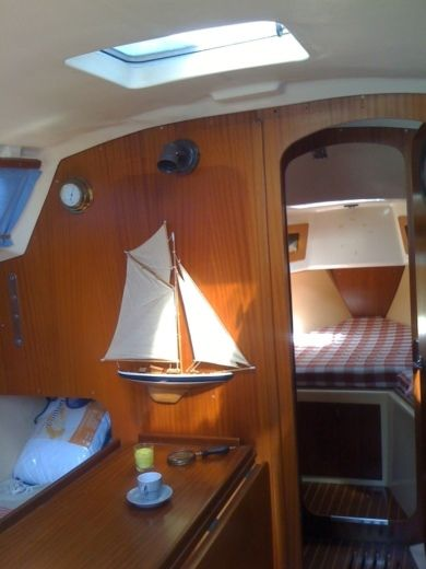 Sailboat Dufour 28 for hire