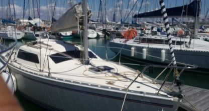 Rental Sailboat Jeanneau Tonic 23 La Rochelle