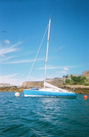 Sailboat BENETEAU FIGARO1 for hire