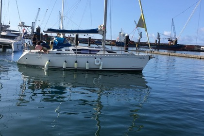 Hire Sailboat JEANNEAU SUN LIBERTY 34 Ponta Delgada