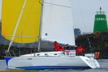 Rental Sailboat BENETEAU FIRST 31.7 Brest