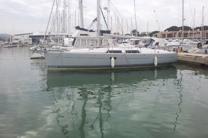 Rental Sailboat HANSE 375 Cogolin