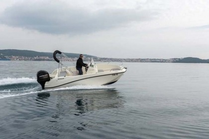Hire Motorboat QUICKSILVER 505 Open Trogir