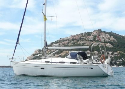 Charter Sailboat Bavaria 37 Cruiser San Vincenzo